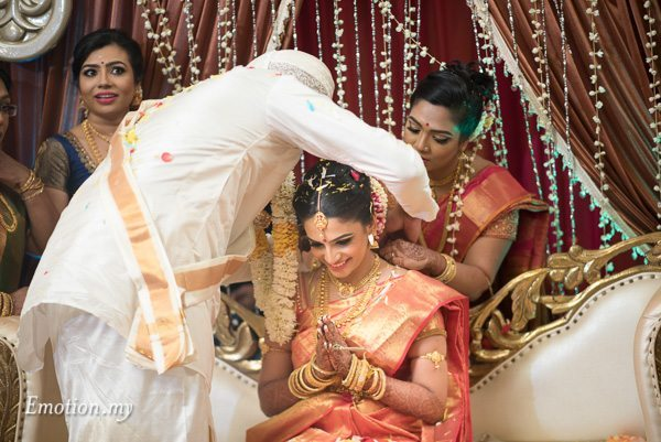 groom-thali-ceylonese-wedding-kuala-lumpur-malaysia