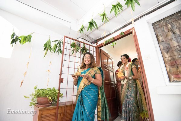 hindu-tamil-wedding-bride-coconut-malaysia-raymond-darshini