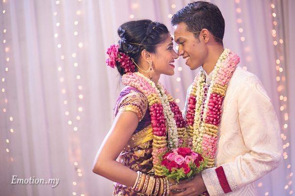 hindu-tamil-wedding-ceremony-portrait-malaysia-raymond-darshini