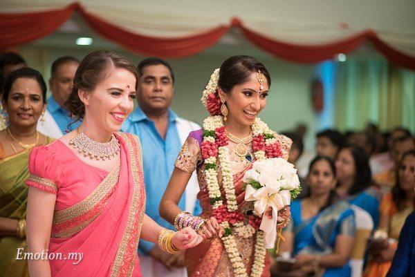tamil-hindu-wedding-bride-arrival-kuala-lumpur-malaysia-dave-jeeno